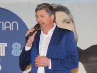 Sänger Christian Lais auf seiner Promotour am 18.01.2020 in Magdeburg