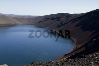 Blauer Kratersee auf Island