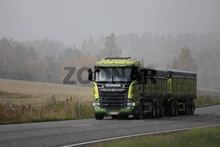 Trucking in Autumnal Snowfall
