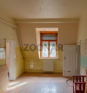 Leerstand, Immobilien, Schrottimmobilien, Sanierungsbedarf, altbau, altbauwohnung, reko, shabby