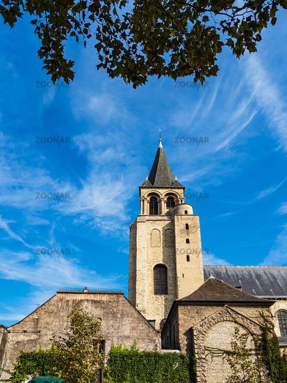 Blick auf ein historisches Gebäude in Paris, Frankreich