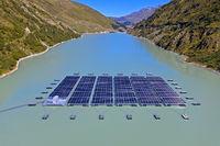 Erstes schwimmendes alpines Solarkraftwerk der Schweiz