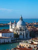 Blick auf die Kirche Santa Maria della Salute in Venedig, Italien