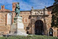 alte statue am teatro olimpico in vicenza, italien