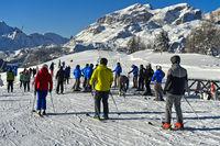 Skifahrer auf dem Piz La Ila, Alta Badia, Dolomiten, Südtirol, Italien