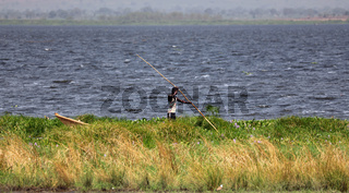 Fischer am Albertsee, Uganda  | Fisherman at Lake Albert in Uganda