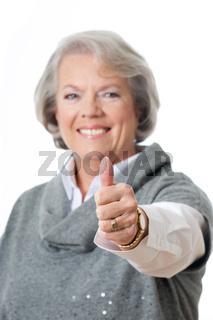 Attraktive ältere Frau