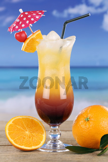 Tequila Sunrise Cocktail Drink am Strand