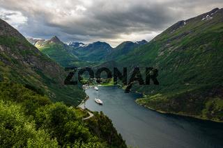 Blick auf den Geirangerfjord in Norwegen