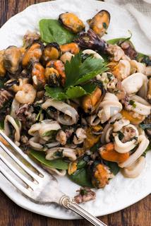 Frutti di mare on on plate selective focus
