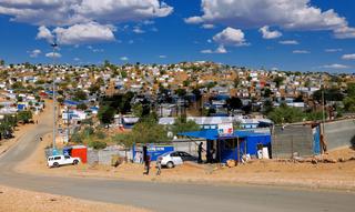 Einfaches Hüttenviertel in Windhoek, Namibia | Living in simple huts in Windhoek, Namibia
