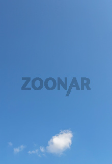 Neutral sky background with speech bubble
