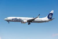 Alaska Airlines Boeing 737-900ER Flugzeug Flughafen Los Angeles