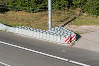 Aufprallschutz an Autobahn