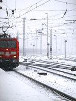 Zug bei Schnee