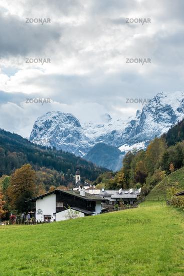 Blick von Ramsau auf die Wand des Schottmalhorns, Berchtesgaden, Oktober 2020