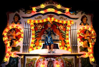 Puppentheater auf Weihnachtsmarkt
