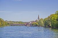 Diessenhofen mit Rheinbruecke und Stadtkirche