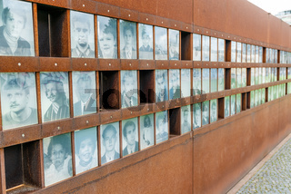 view of the Berlin Wall Memorial with the plaque of the fallen