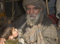 Großvater und Enkel in Afghanistan
