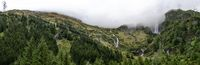 Felber Tauern im Bereich der Hinterseealm im Nationalpark Hohe Tauern mit Starkstromleitung