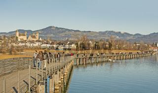Fußgängersteg bei Rapperswil, Kanton St. Gallen, Schweiz