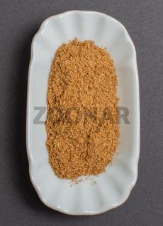 Gewürze in einer weißen Schale für die Food Fotografie