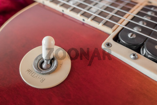 Electric guitar toggle switch
