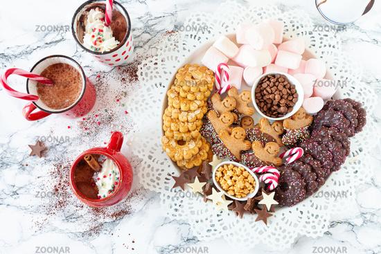 Heisse Schokolade und Plaetzchen