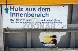 Stationen für Abfalltrennung im Werstoffhof