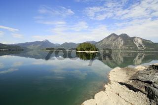 spiegelnder See