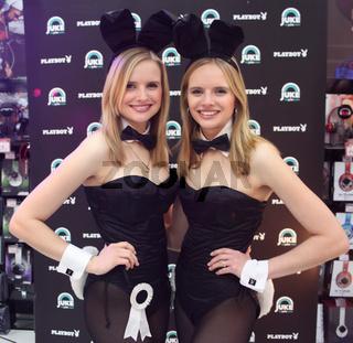 Playmate-Zwillinge Anna u Lisa Heyse (Playboy Magazin Februar 2012) Promoaktion 2014 in Magdeburg
