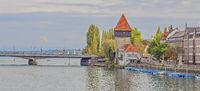 Seerhein mit Rheintorturm Konstanz