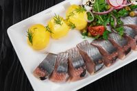 Sliced salted herring