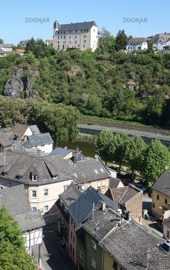 Lahn und Burg Schadeck in Runkel