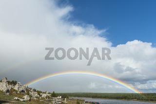 Regenbogen, Naturreservat Lergravsviken, Gotland