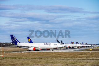 Flugzeuge von Lufthansa am Flughafen Frankfurt