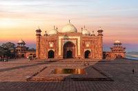 Kau Ban Mosque, Taj Mahal Mausoleum Complex, India