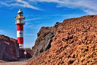 Auf der Kanareninsel Teneriffa steht am Punta de Teno der Leuchtturm Faro de Teno
