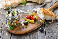 Grieschischer Salat im Glas