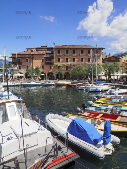 Hafen von Torri del Benaco - Gardasee