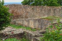 Burgmauern der Ruine Schauenburg