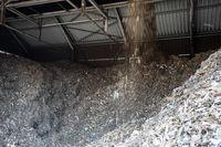 Aussortiertes Metall aus der Altholzaufbereitung