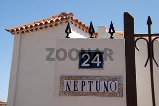 Bunte Kacheln an einem weissen Haus, Teneriffa, Spanien, Europa
