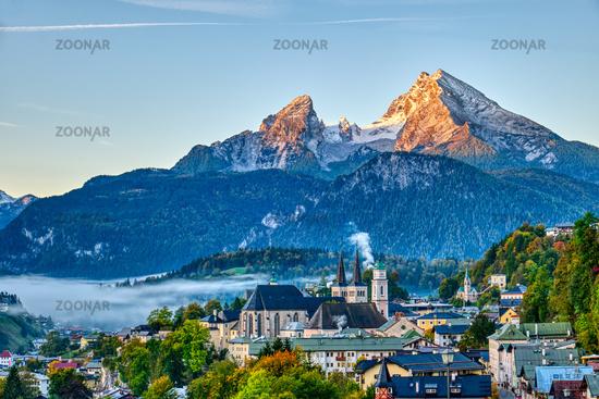 Der Watzmann und die Stadt Berchtesgaden