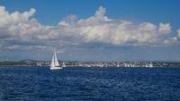 Segelboot vor der kroatischen Küste