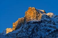 Erstes Morgenlich am Gipfel Sassongher, Puezgruppe, Corvara, Alta Badia, Dolomiten, Südtirol, Italie