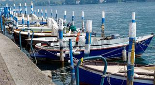 Kleine boote Mittelmeer style - Farbton blau weiss