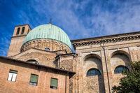 padua, italien - 19.03.2019 - kuppel der basilika sankt maria von carmine