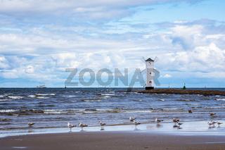 Mole an der Ostseeküste in Swinemünde, Polen